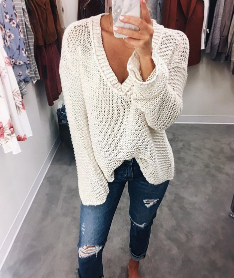 V-Neck Knit White Long-Sleeve Sweater