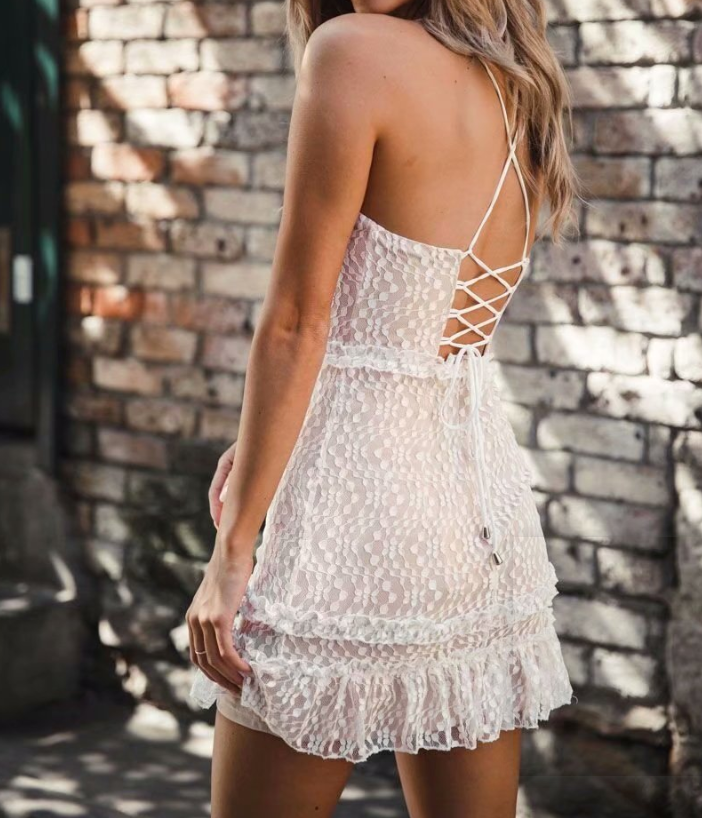 Sexy Lace Low-Cut Sling Bag Hip Dress