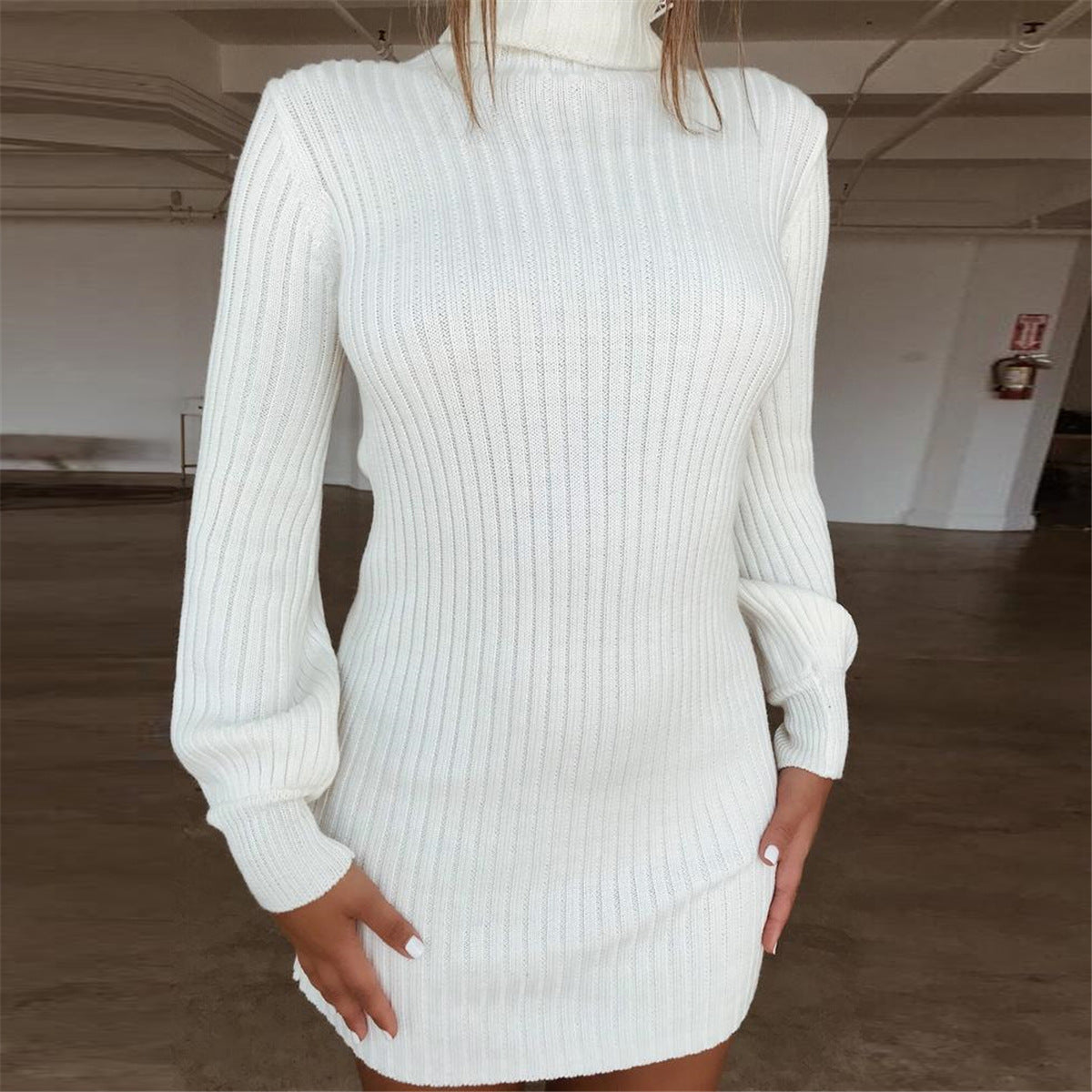 Solid Color Long-Sleeved High-Neck Bag Hip Dress