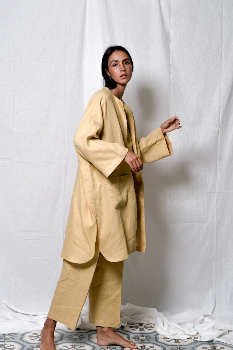 Rounded Linen Coat