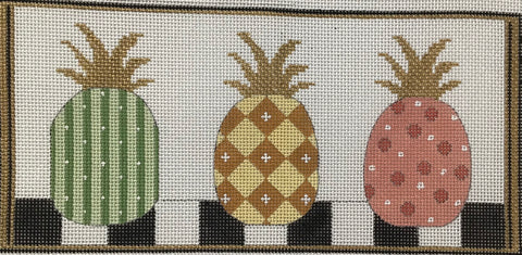 PINEAPPLES IN A ROW AP4099