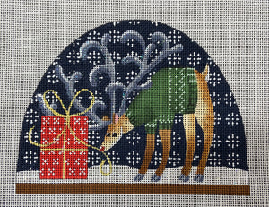 Reindeer and presents 449