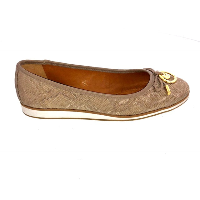 Limit Flats Taupe Print