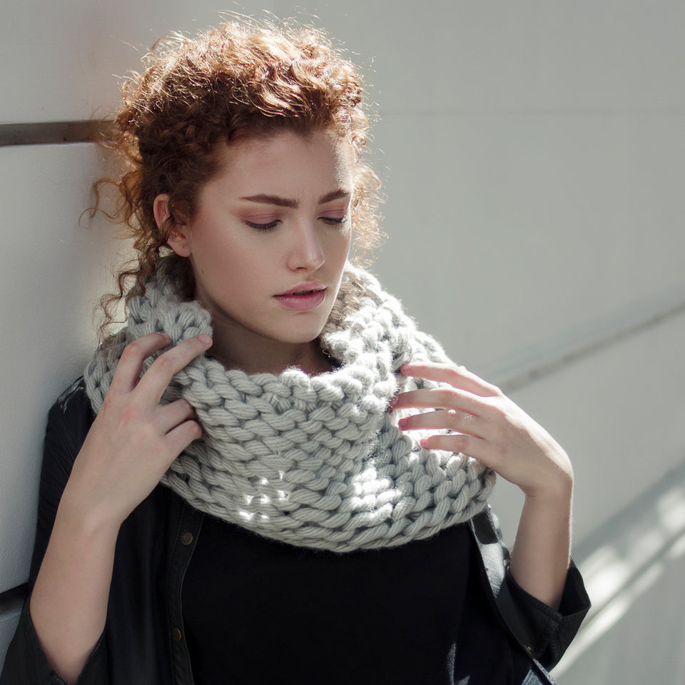 100% PATAGONIAN MERINO WOOL CHUNKY YARN COWL ON A WOMEN