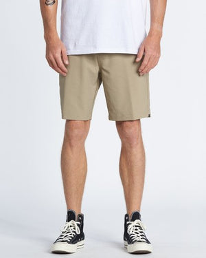 Surftrek Wick Walkshorts in Khaki