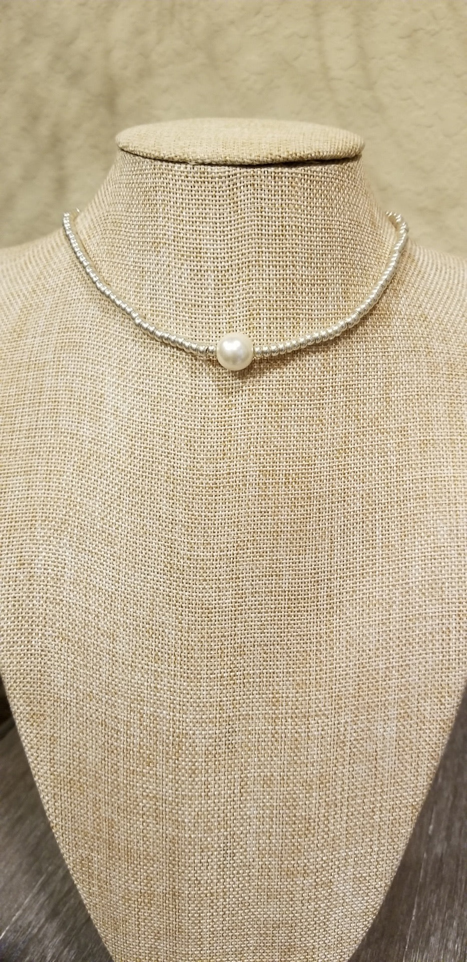 Beaded Stretch Large Single Pearl Necklace