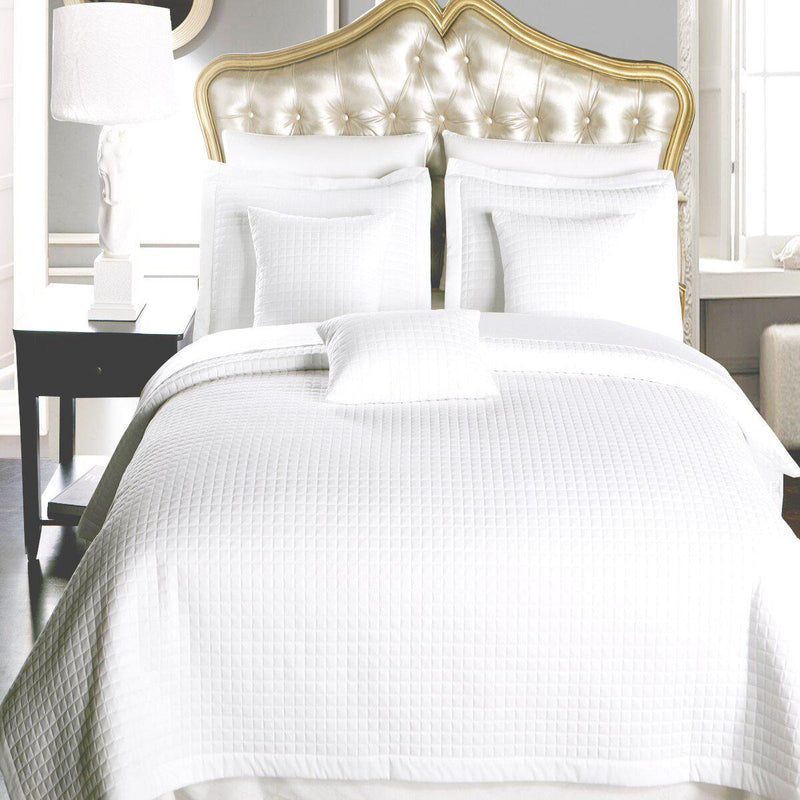 Luxury Checkered Quilted Wrinkle-Free 2-3 Piece Quilted Coverlet Set-Royal Tradition-King/Calking-White-Egyptian Linens