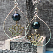 Load image into Gallery viewer, Nalini Earrings