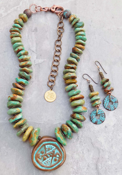 Absoultely stunning turquoise statement necklace and earrings