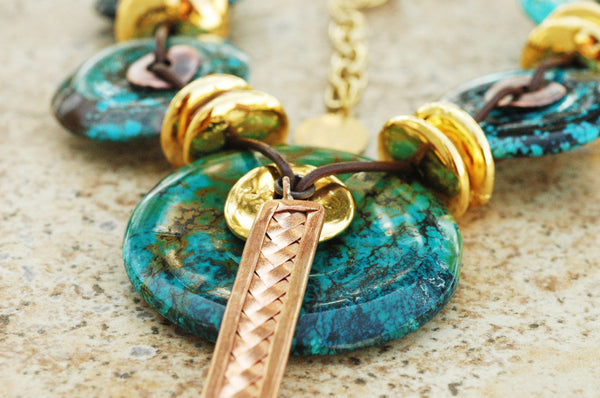 Stunning turquoise statement necklace