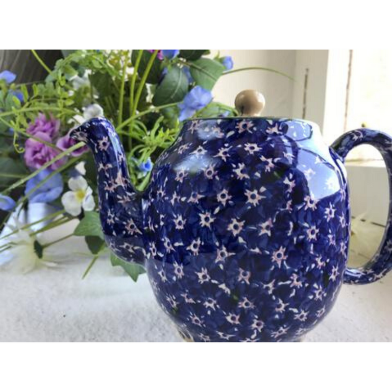 Teapot Dark Blue Lawn