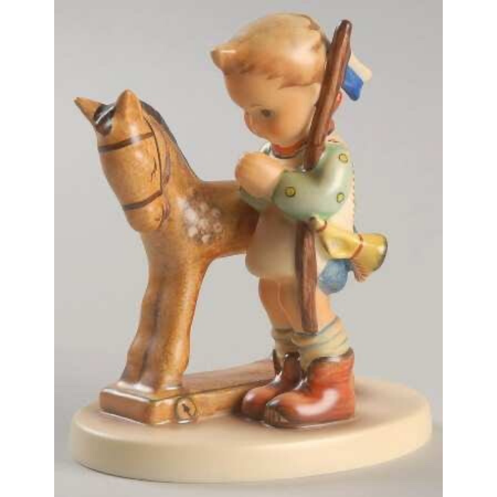 Prayer Before Battle Figurine