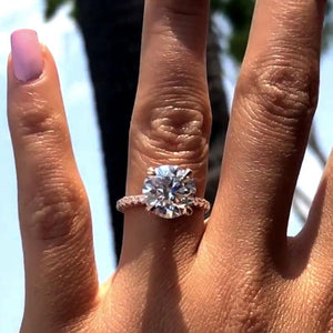 Hellojewelr Rose Gold Classic 2.0 Carat Round Cut Engagement Ring