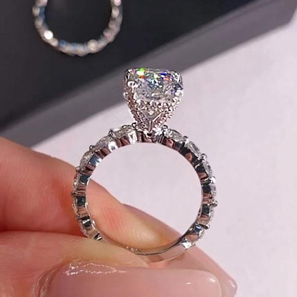 【Presale】Hellojewelr Sterling Silver Stunning 2.5 Carat Radiant Cut Engagement Ring