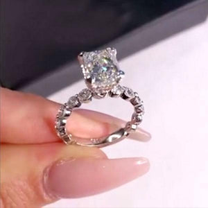 Hellojewelr Sterling Silver Stunning 2.5 Carat Radiant Cut Engagement Ring