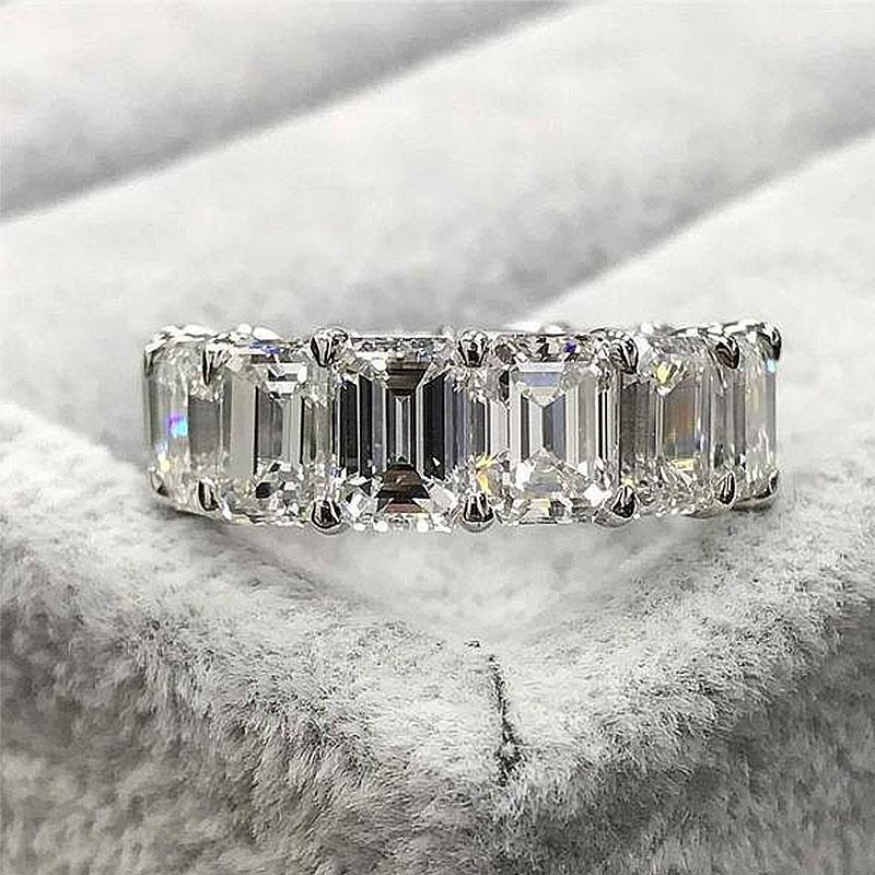 Hellojewelr Sterling Silver 4.0 Carat Emerald Cut Wedding Band