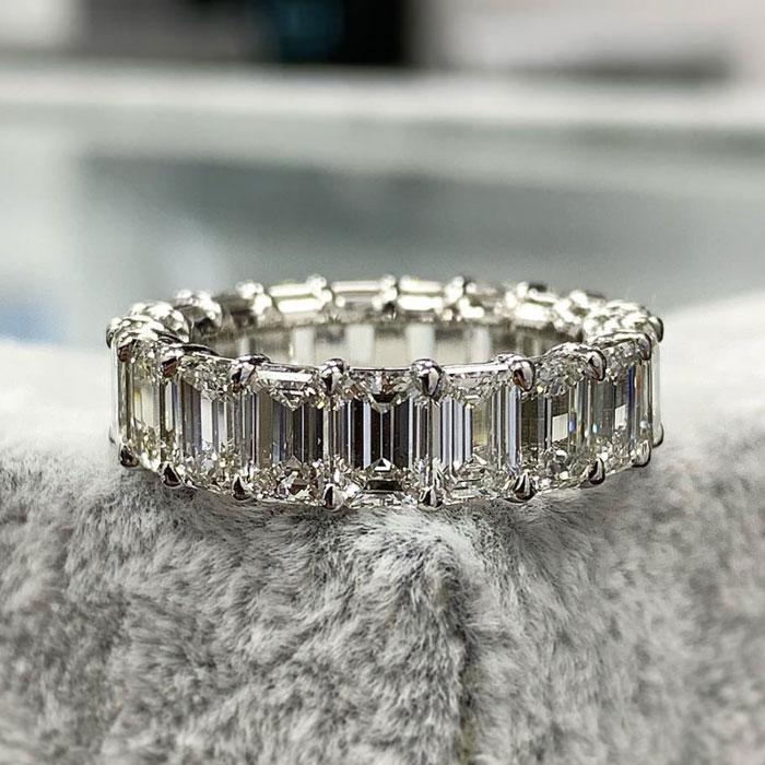 Hellojewelr Sterling Silver Emerald Cut Women¨¹s Wedding Band