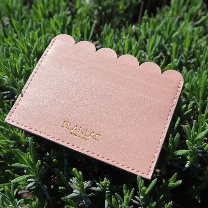SCALLOPED CARD HOLDER - APPLE SKIN