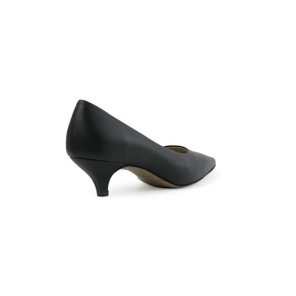 Daphne black kitten heels made with smooth vegan leather - Daphne kitten heels neri in cuoio vegano liscio - Daphne kitten heels noires en cuir végan lisse