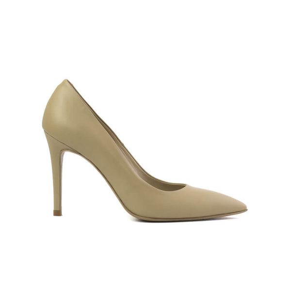 Galatella beige stiletto made with smooth vegan leather - Galatella stiletto beige in cuoio vegano liscio - Galatella escarpins beiges en cuir végan lisse