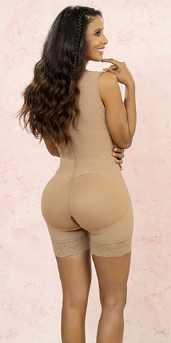 Colombian girdle helps posture shapes curves