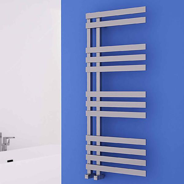 Carisa Verona Vertical Designer Towel Rail - Chrome