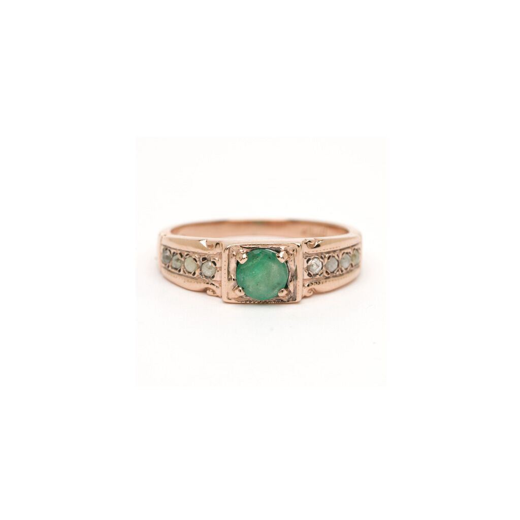 Vera Ring - Emerald with Diamond
