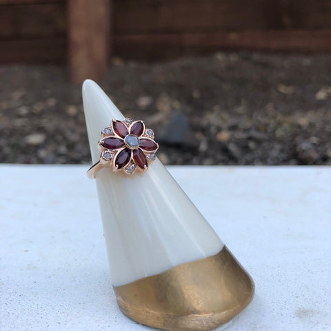 Flower Mandala Ring - Alternating Diamond with Garnet