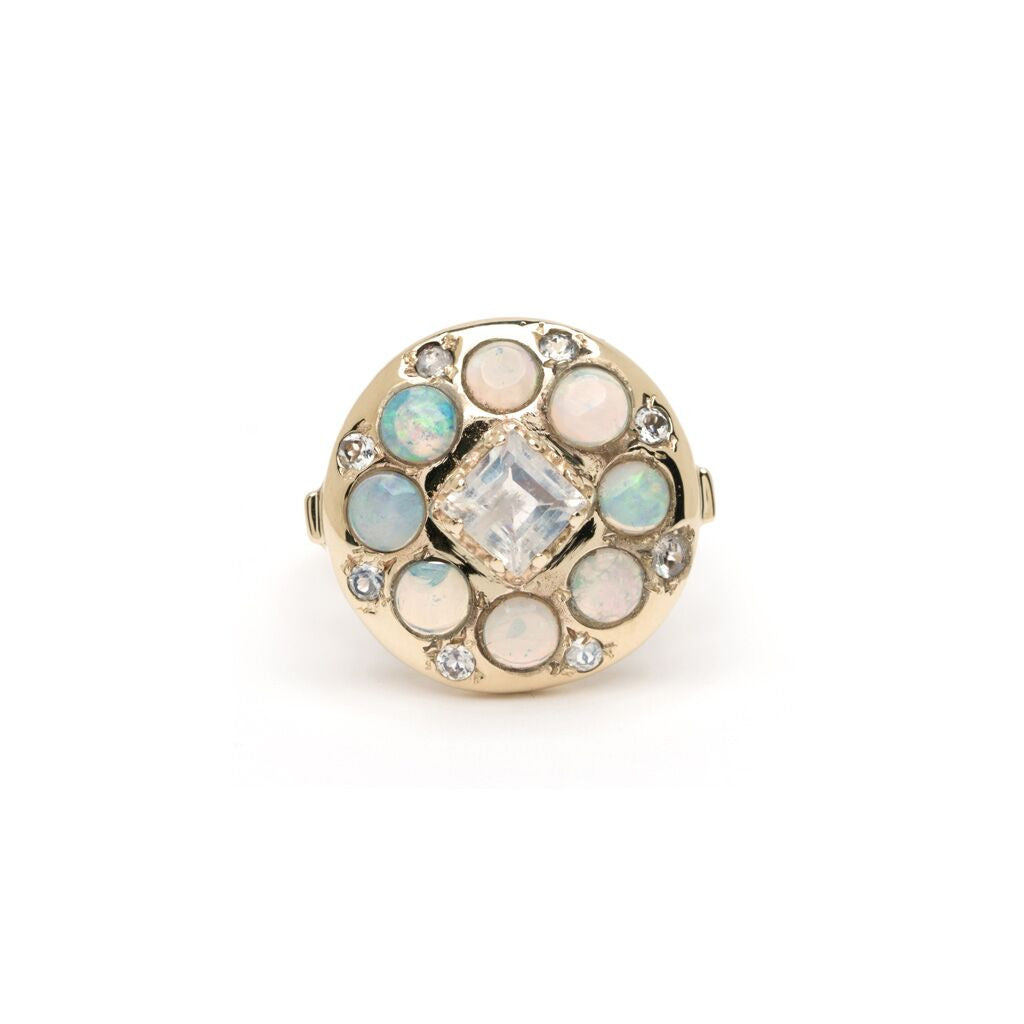 Lunar Ring - Alternating Moonstone with Opal YG