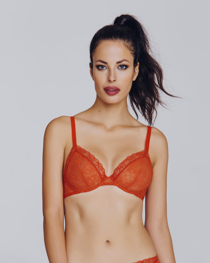 Unlined underwired bra from Epure de Lise Charmel gives a great natural shape with a multi-hook band and adjustable straps