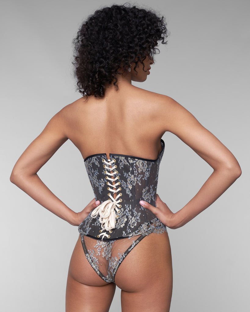 Karolina Laskowska's Asteria corset has steel boning, waist tape and adjustable sturdy cotton lacing at the rear for superior fit