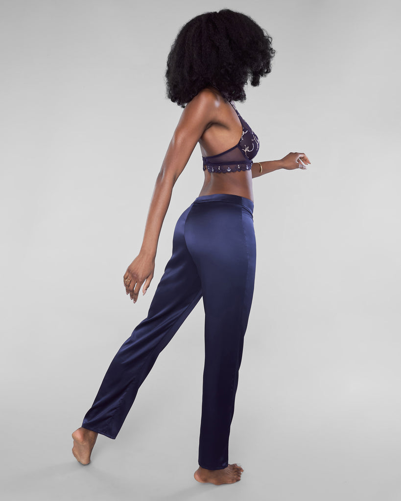 Lise Charmel's Sublime a Deux pants have a hidden side zipper which offers a tailored fit through the hips
