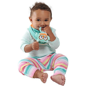 Buddy Bib-Olie Owl is a detachable, 3-in-1 sensory teething toy and bib.  The 100% food-grade silicone teether is attached to a plush toy and soft absorbent bib.