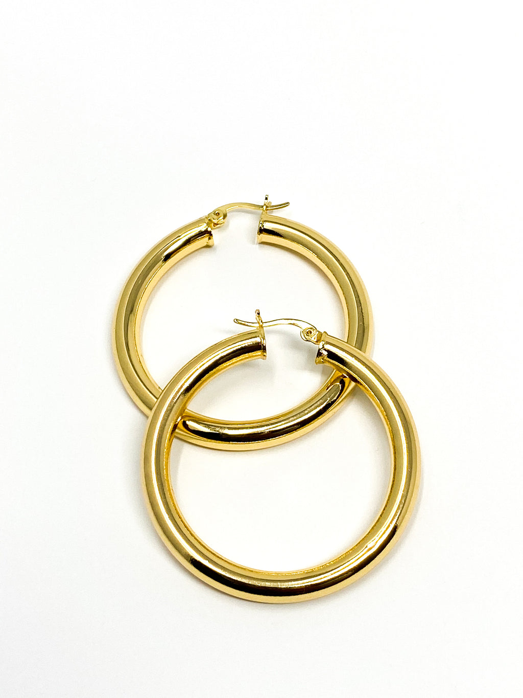 NAIROBI- Medium Hoop Earrings