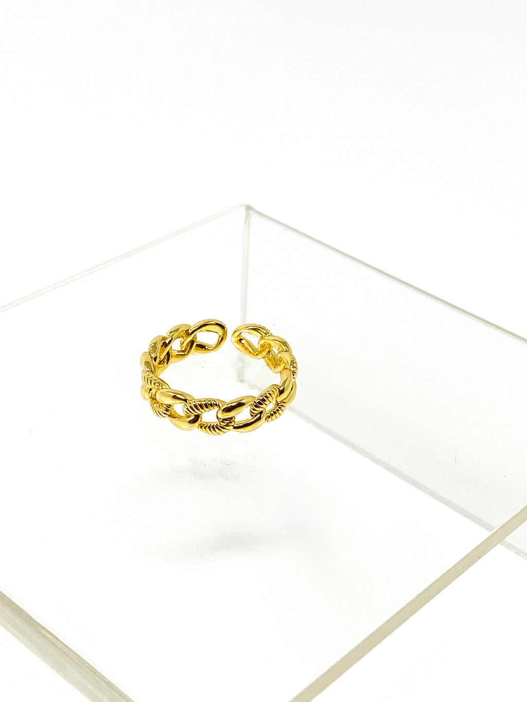 NIA- Chain Link Ring