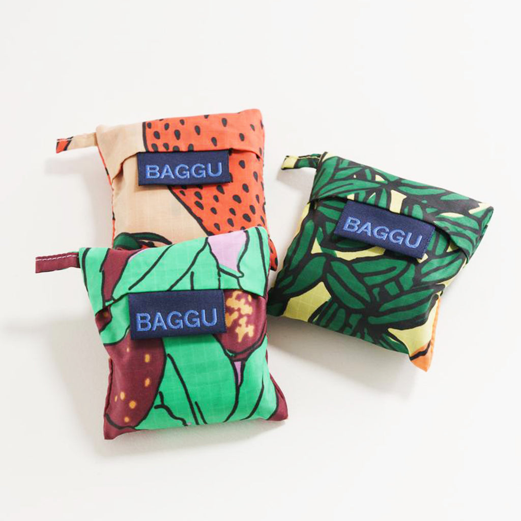 baggu bag wine backyard fruit