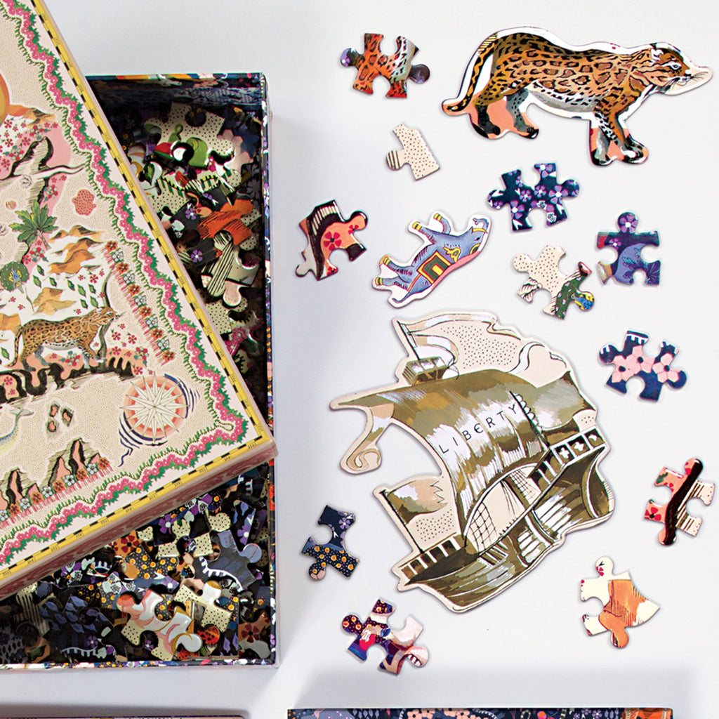 chronicle galison 500 piece liberty london maxine double-sided jigsaw puzzle shaped piece detail