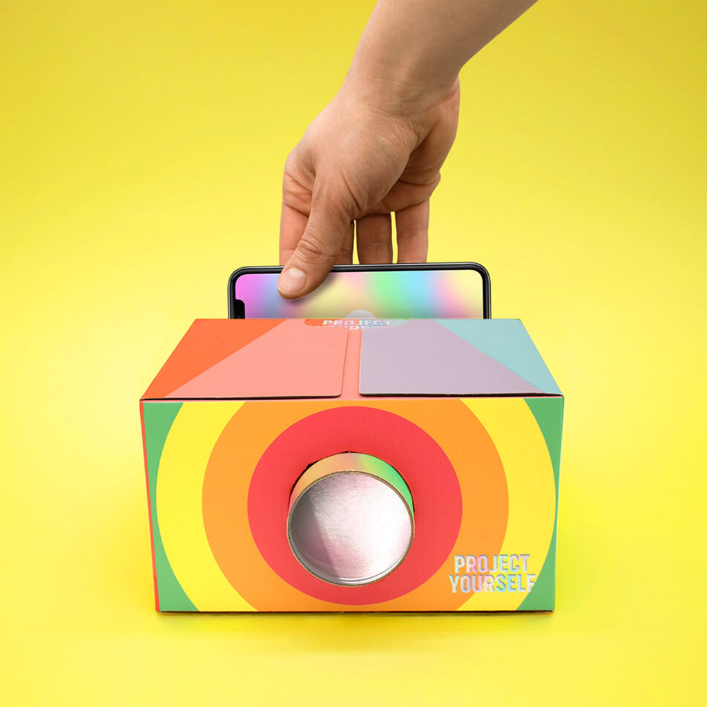 luckies of london project yourself rainbow lo-fi-smartphone-projector-front