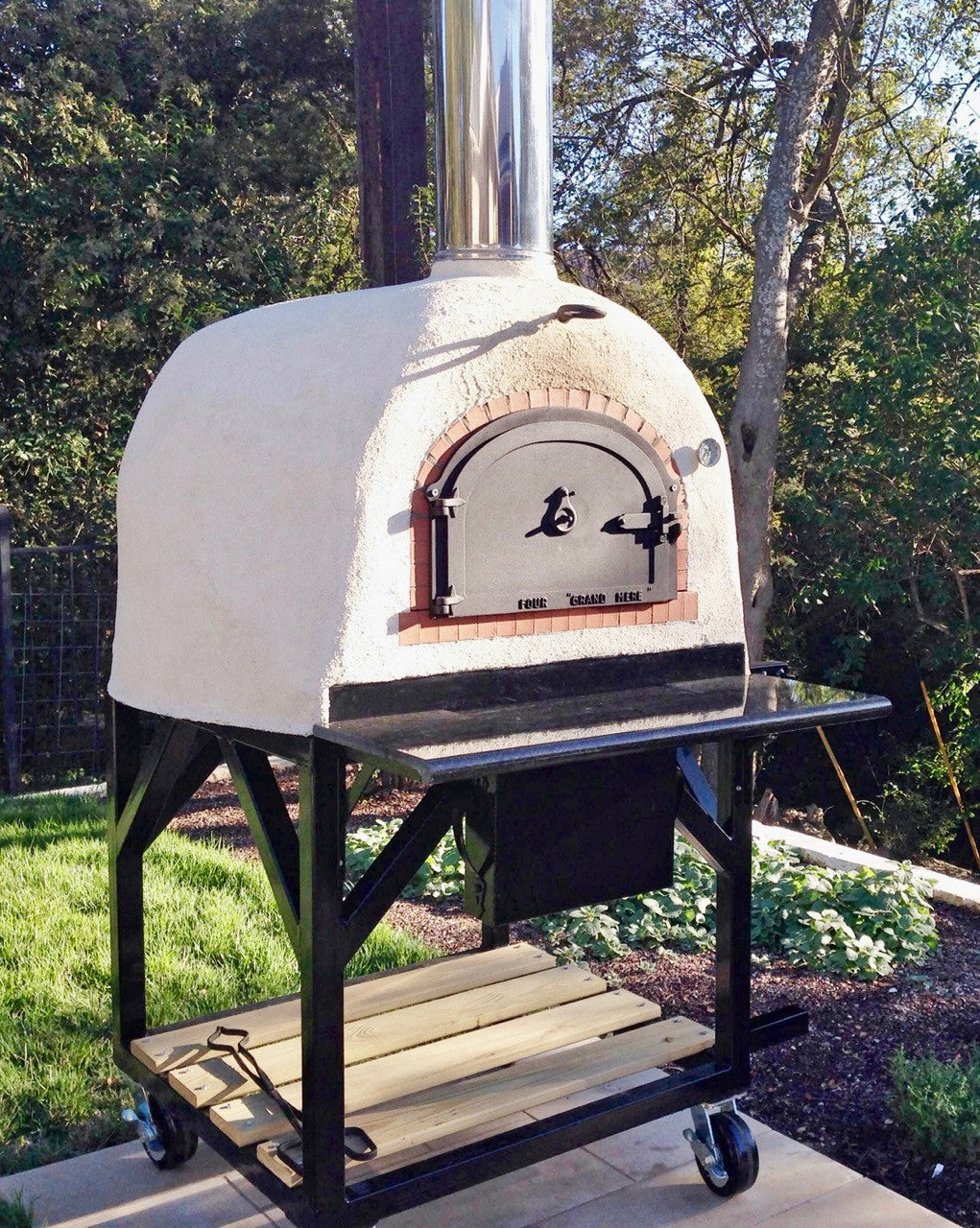 Mobile Cart with 800 B Wood-Fired Oven