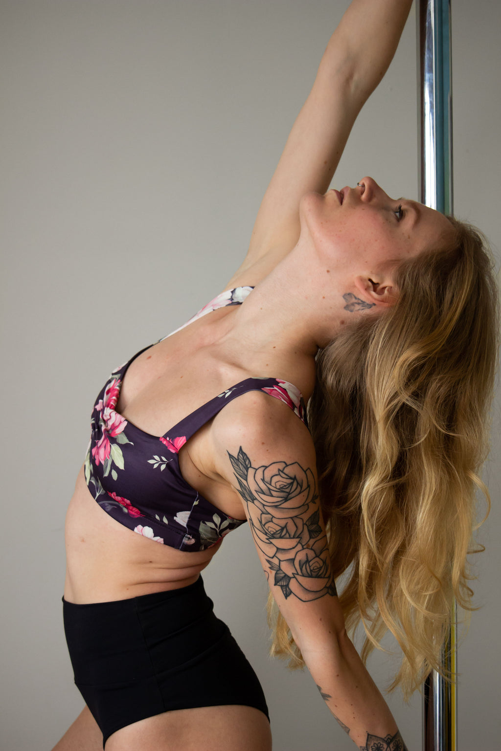 Balconette scrunch sports bra for pole dance in floral print