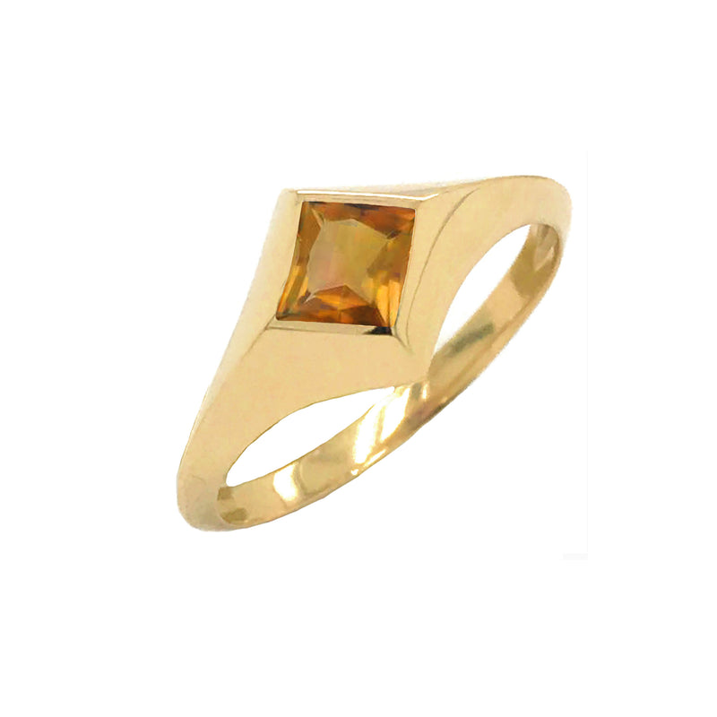 Solitaire Princess-Cut Citrine Ring in Yellow Gold