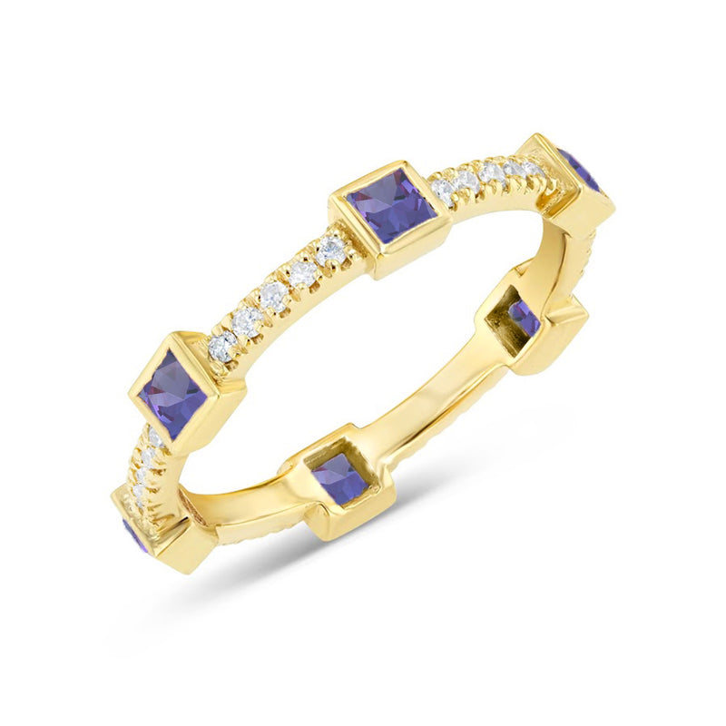 Sapphire and Diamonds Elegant Ring in Solid Gold