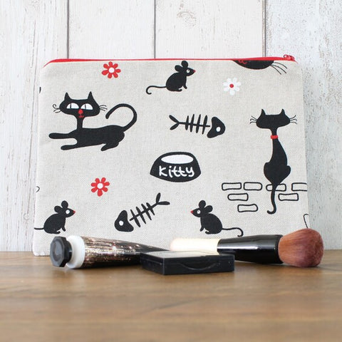 Retro Black Cat Zipped Pouch
