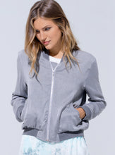 "Laden Sie das Bild in den Galerie-Viewer, Buddha Wear Jacke ""Joy"" in Vintage Grey"