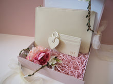 Load image into Gallery viewer, Personalised Wedding Gift Set