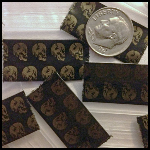 "12534 Original Mini Ziplock 2.5mil Plastic Bags 1.25"" x 3/4"" Reclosable Baggies (Gold Skull) - The Baggie Store"