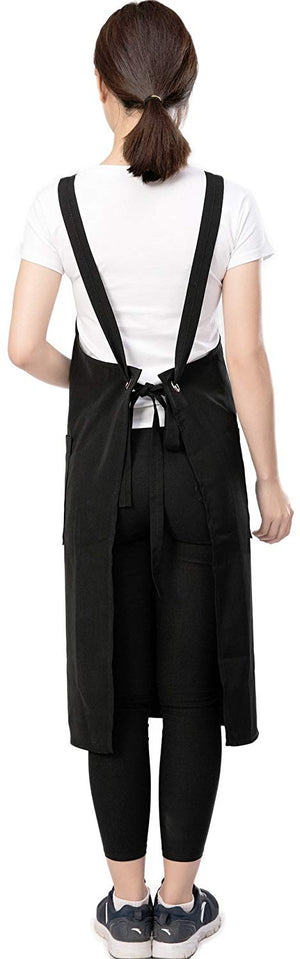 Black hair stylist apron with 2 front pockets.