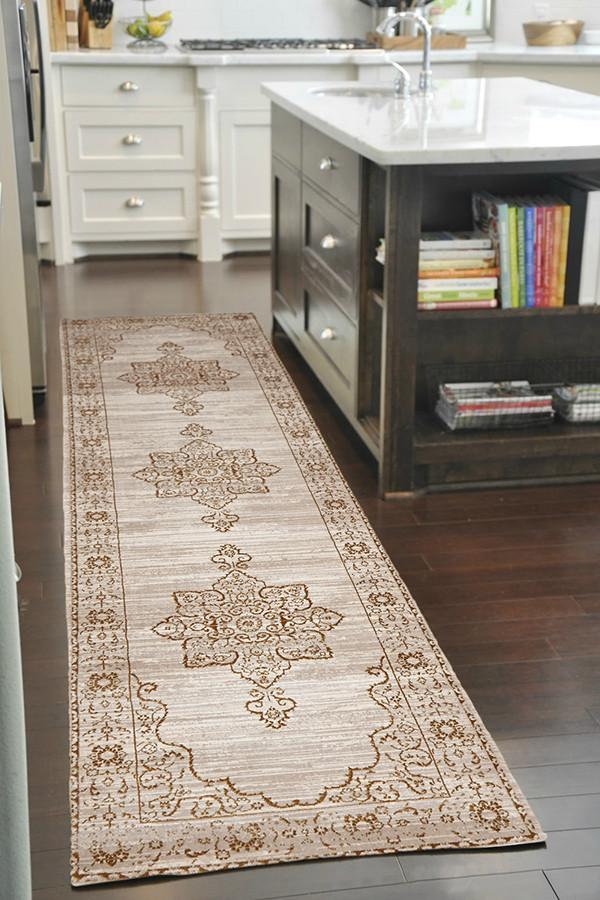 Heirloom Kings Court Designer Ivory Beige Runner Rug