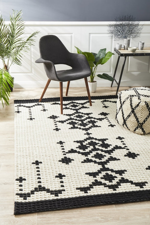 Rhea Cross Stitch Rug Black White