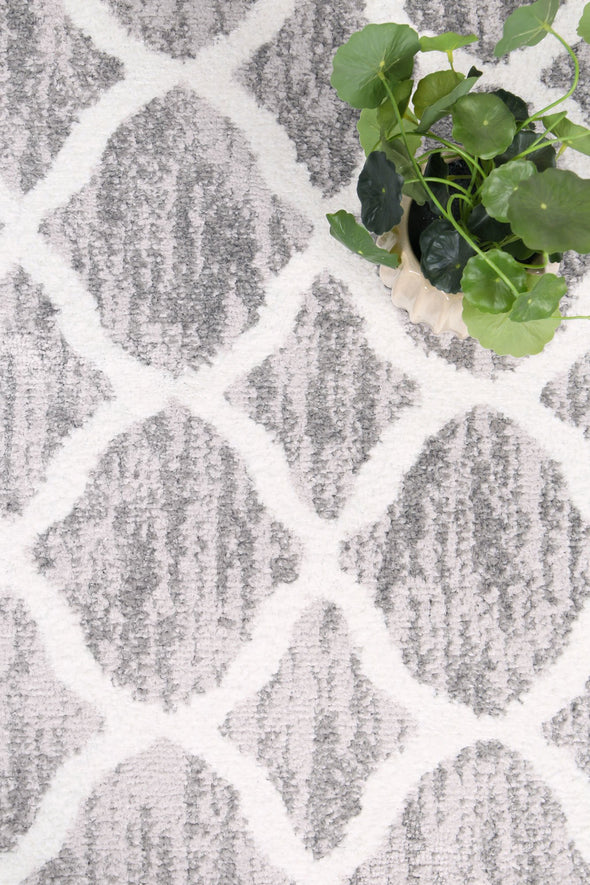 Shadow Lattice Silver Rug